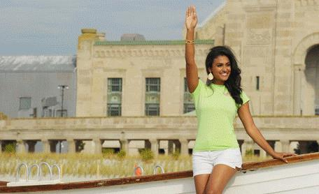 Miss America 2014: Nina Davuluri winning Twitter 'race' war; Tyra Banks, Big B in her corner