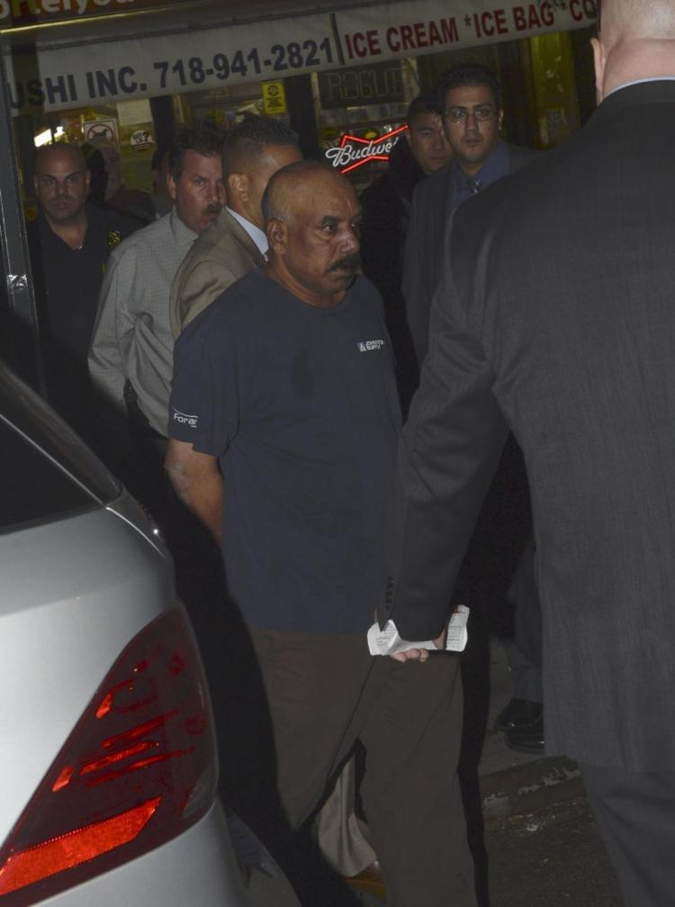 A man is accused of stabbing his wife to death in her Flatbush home. (Photo: KEN MURRAY / NY DAILY NEWS)
